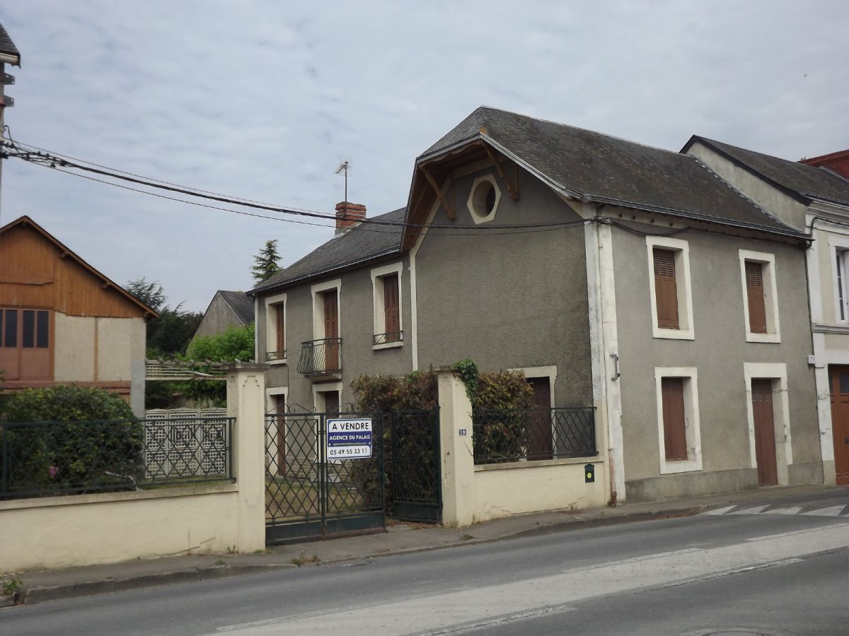 Vente vendeuvre for Garage poitiers clain